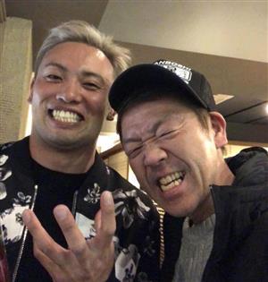 """オカダ・カズチカと""""マムシパワー""""全開の宴!"""