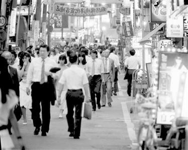 """いつも心に緊急事態宣言 生まれ育った""""反社桃源郷""""歌舞伎町で身についたサバイバル術"""