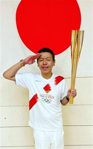 やったれ日本、がんばれ日本! 五輪聖火リレースタッフに感謝